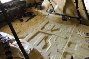 шумоизоляция автомобилей с применением звукоизоляционных мембран последнего поколения Tecsound